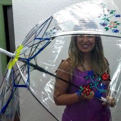 Decora tu propio paraguas de plástico