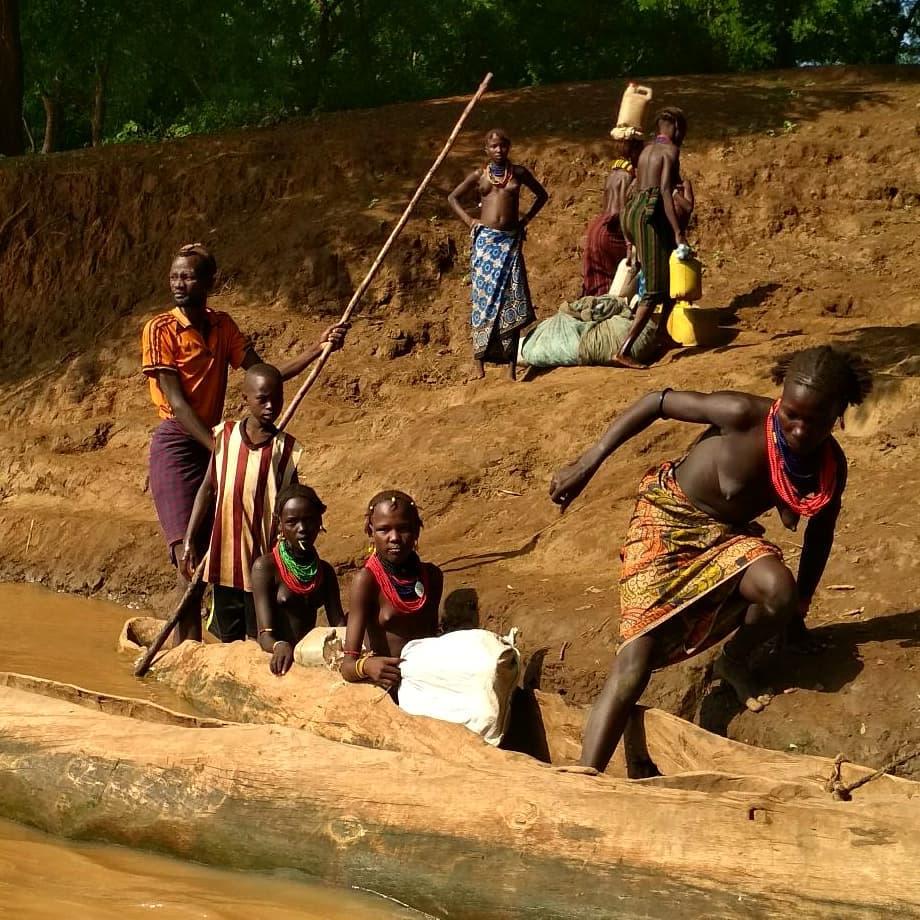 Otras tribus del Omo; Dassanech y Banna