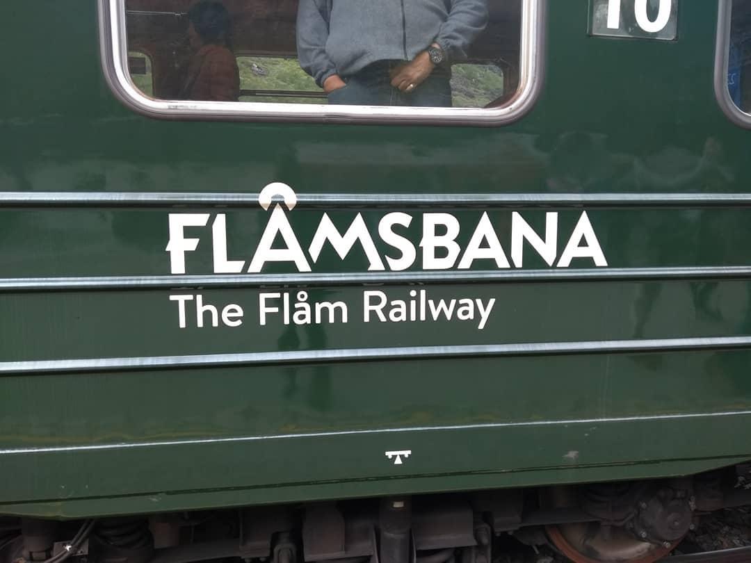 Flam, un tren en el fiordo de los Sueños