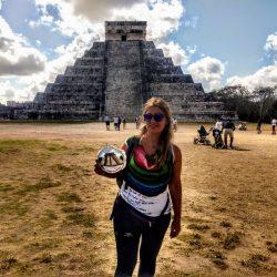 La pirámide de Chichen Itzá bordada a mano