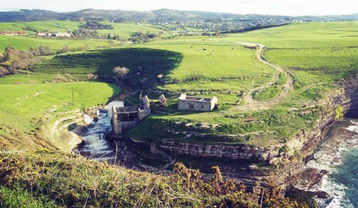 Ruta Cóbreces Acantilado El Bolao en Cantabria