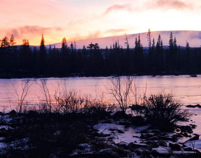 La magia de la luz del Ártico en el otoño boreal